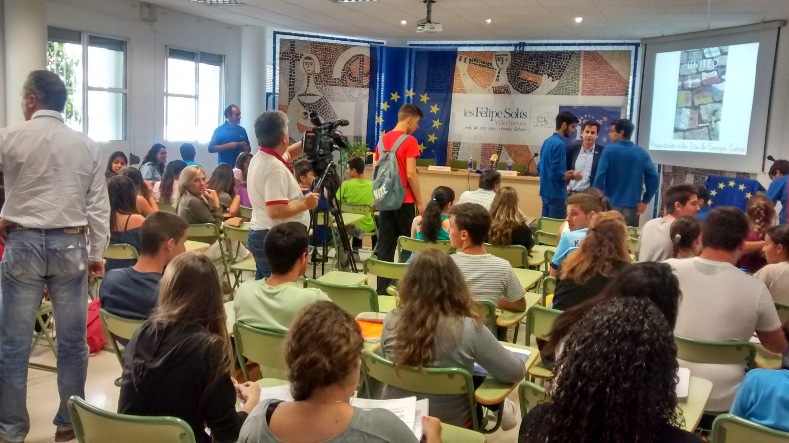 Día de Europa 2015 en Cabra, presentación vídeo elaborado por jóvenes, 7 de mayo.