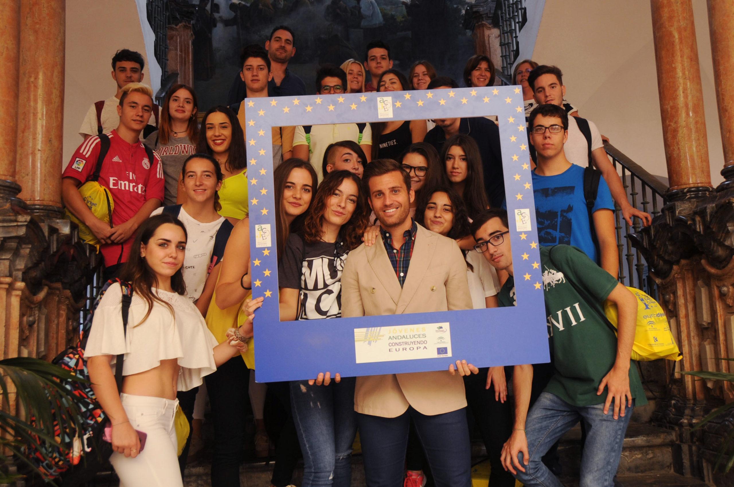 Recepción  a los alumnos y profesores del I.E.S. López Neyra de Córdoba, participantes en el premio JACE 2017. Jóvenes Andaluces Construyendo Europa. 5 octubre 2017.
