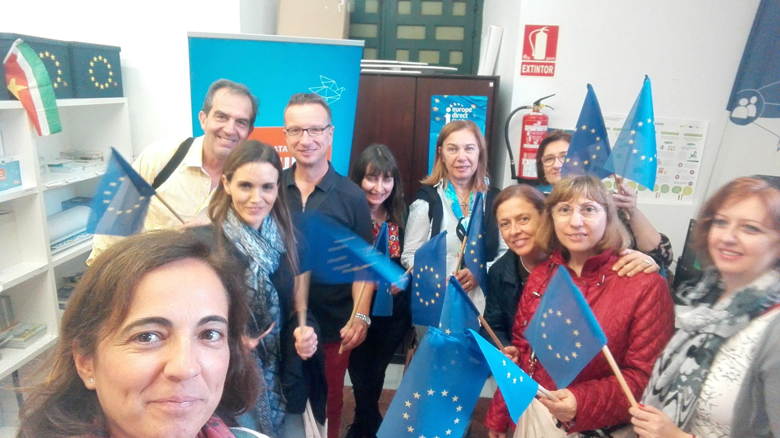 Visita al Centro Europe Direct profesores intermabio Erasmus + IES Gualdaquivir.